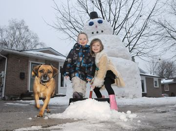 Frosty returns to Frost Drive in Barrie