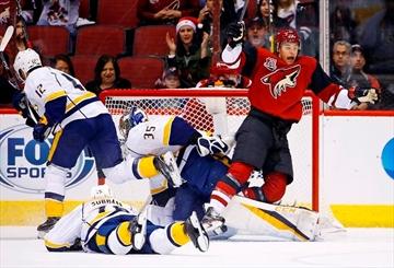 Goligoski, Dauphin score in 1st, Coyotes beat Predators 4-1-Image3