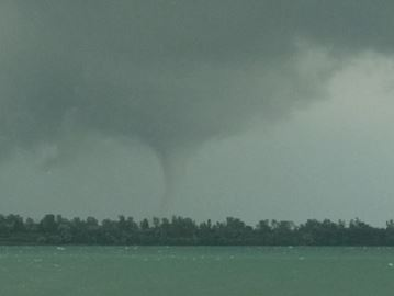 Tornado touchdown in Windsor and LaSalle