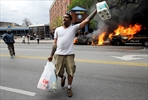 Latest on police-custody death: Looting where riot began-Image1