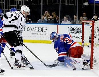 Lundqvist stops 36 shots, Rangers beat Kings 3-2-Image5