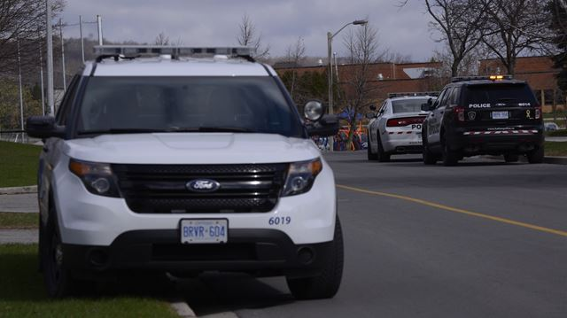 Three sought in attempted robbery of elderly woman in Oakville