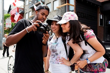 Refugee youth explore adopted home through photography-Image1