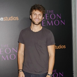 Keegan Allen tweets phone number-Image1