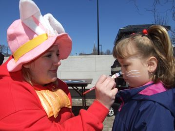 Downtown Orillia hosts Easter egg hunt