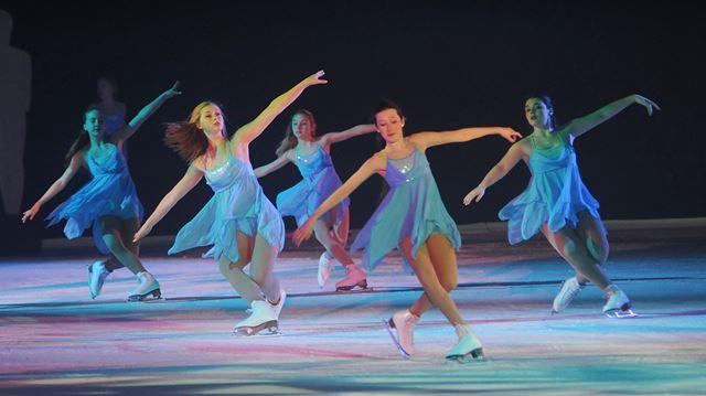 Skate Oakville presents their Netpix ice show