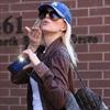 Jennie Garth returns to wedding venue-Image1