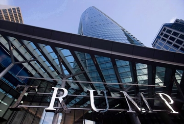 Trump brand scrutinized as Vancouver hotel opens-Image1