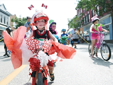 BluesBERRY Festival bike parade Rhys