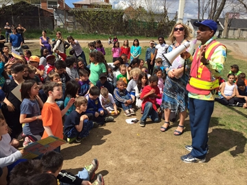 Crossing guard retires