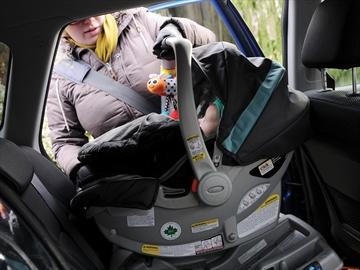 Car seat into car