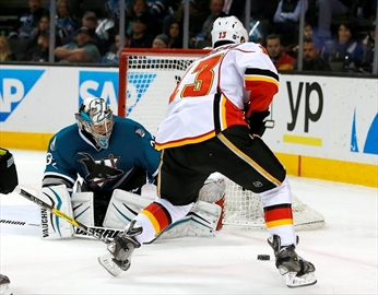 Hudler wins it for the Flames 6-5 over Sharks in shootout-Image6
