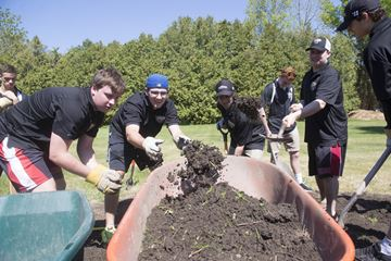 Oakville Buzz clean up Ian Anderson House