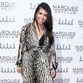 Kourtney Kardashian changes locks-Image1