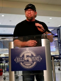 Longtime Astros slugger Bagwell elected to Hall of Fame-Image1
