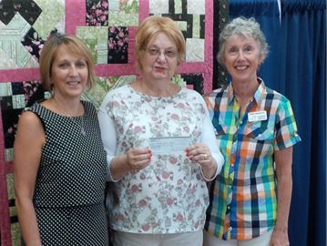 Richmond Legion donates $1,200 to Hospice Care Ottawa's Richmond day hospice