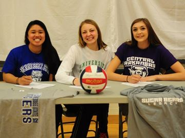 Lakeside volleyball players bound for NCAA