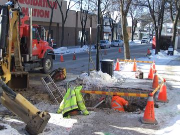 Crew works to repair broken watermain in downtown Orillia