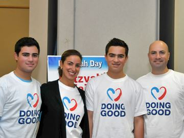 Mitzvah Day participants ready good deeds for city