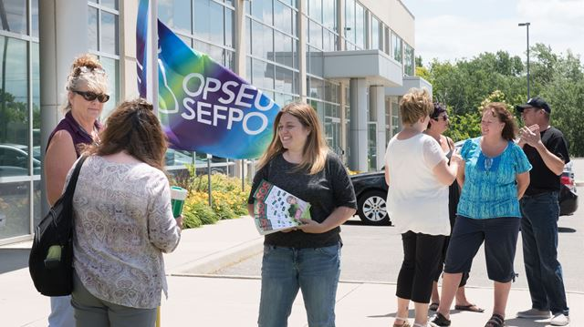 Fight continues to keep north Milton ServiceOntario location open