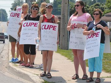 CUPE rally at Frost Manor