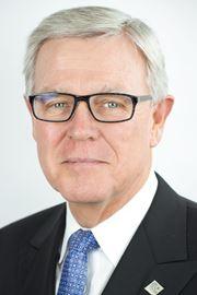 Aurora Mayor Geoff Dawe