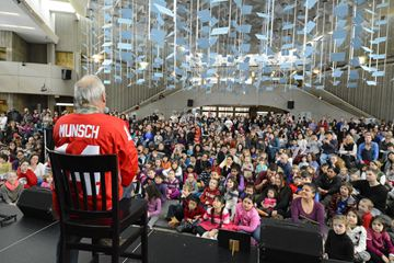 Children's author Robert Munsch recites