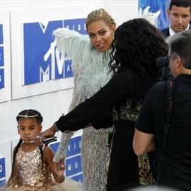 Beyoncé took Blue Ivy as date to MTV VMAs-Image1
