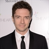 Topher Grace married Ashley Hinshaw-Image1