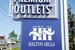 New stores opening at Toronto Premium Outlets