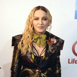 Madonna shares video of twins-Image1