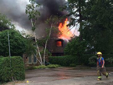 Fire destroys lakefront cottage in Innisfil