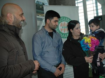 Young Syrian family overwhelmed by love, generosity of Miltonians