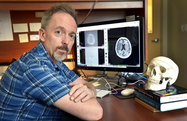 Dr. Michael Noseworthy is director of McMaster's School of Biomedical Engineering, and director of Imaging Physics and Engineering at the Imaging Research Centre, St. Joseph's Healthcare.