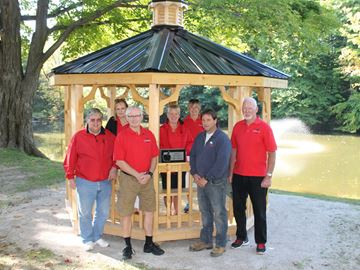 Craft Show donates gazebo to Meaford Cemetery