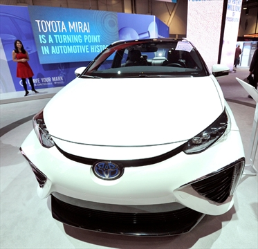 toyota rolls out first mass market cars to run on hydrogen fuel cells. Black Bedroom Furniture Sets. Home Design Ideas