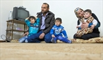 A phone call gives Syrian refugees hope-Image1