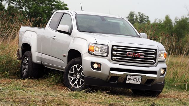road test gmc canyon making more out of a mid size truck. Black Bedroom Furniture Sets. Home Design Ideas