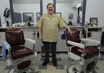 Kitchener Barber Has No Plans To Stop Cutting Hair Even At 73