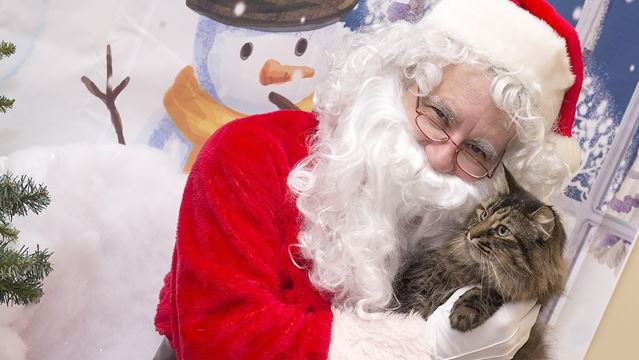 Santa Paws stops in to the Burlington Humane Society