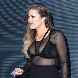 Khloe Kardashian in talks for Fashion Police-Image1