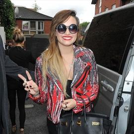 Demi Lovato 'serious' about boyfriend-Image1