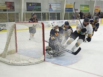 The Alliston Hornets played the Huntsville Otters at the New Tecumseth Recreation Complex Dec. 6. Alliston won 6-1.