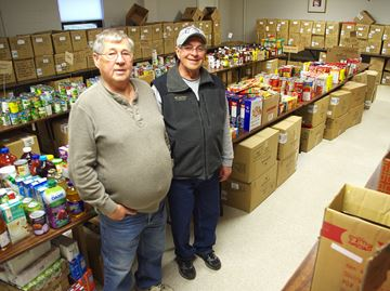 Alliston Lions Club delivering Christmas hampers