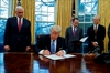 Trump signs notice to withdraw from TPP-Image1