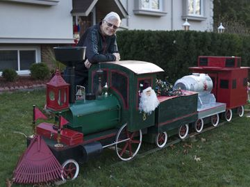 Oakville resident gets into holiday spirit by building Christmas Train