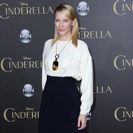 Cate Blanchett adopts daughter-Image1