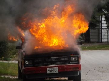 Truck catches fire in Wasaga Beach