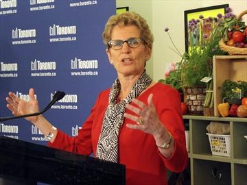 Premier Kathleen Wynne hosts Canada Day picnic at Marc ...
