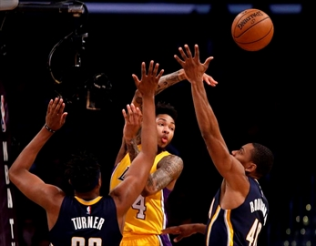 Williams, Young lead Lakers to 108-96 win over Pacers-Image1